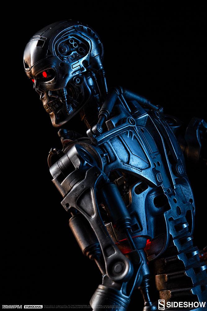 terminator-2-terminator-t-800-endoskeleton-maquette-sideshow-300157-04.jpg