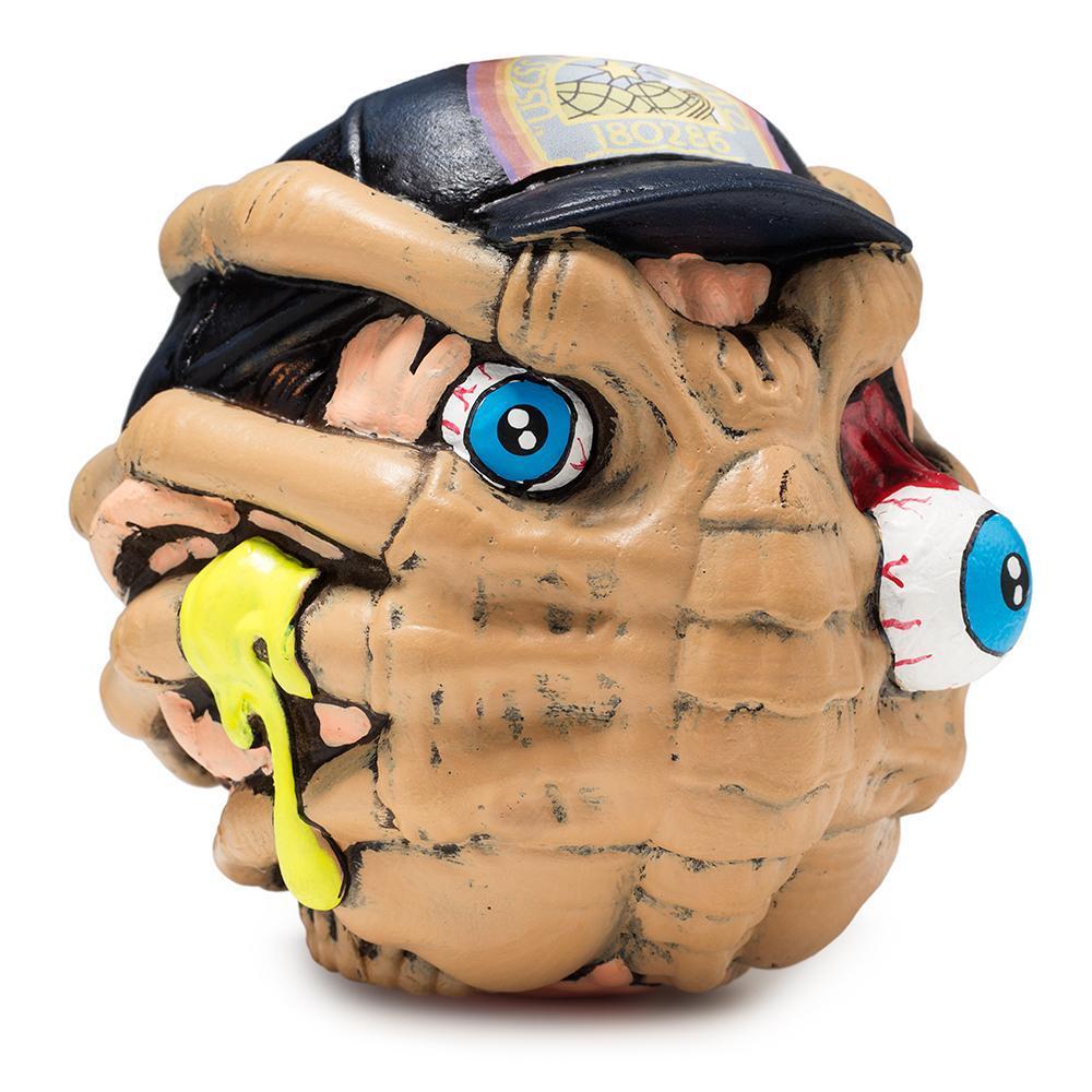 vinyl-alien-facehugger-madballs-foam-horrorball-by-kidrobot-3_1600x.jpg