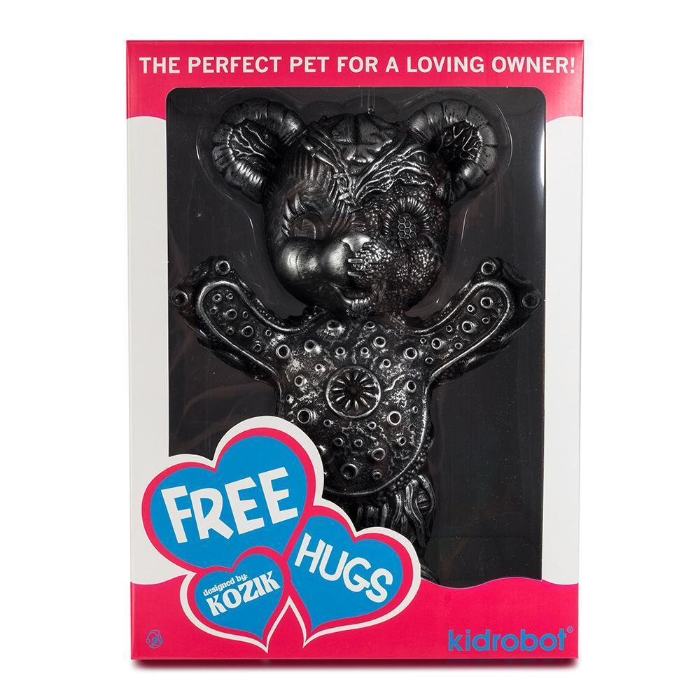 vinyl-free-hugs-bear-10-figure-by-frank-kozik-7.jpg