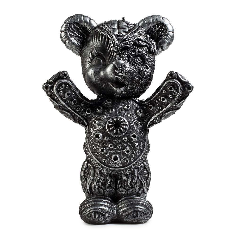 vinyl-free-hugs-bear-10-figure-by-frank-kozik-1.jpg