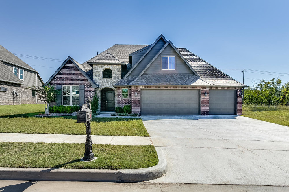 Spring Creek of Broken Arrow-large-001-42-Front Exterior-1500x1000-72dpi.jpg