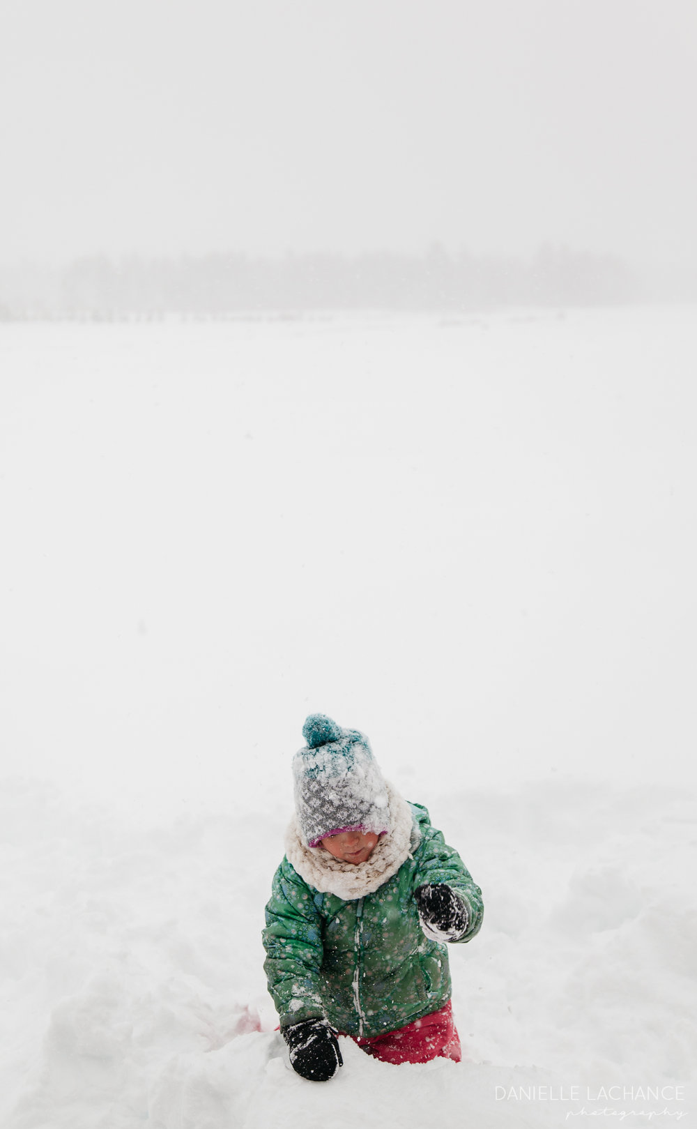 maine winter child portrait photographer