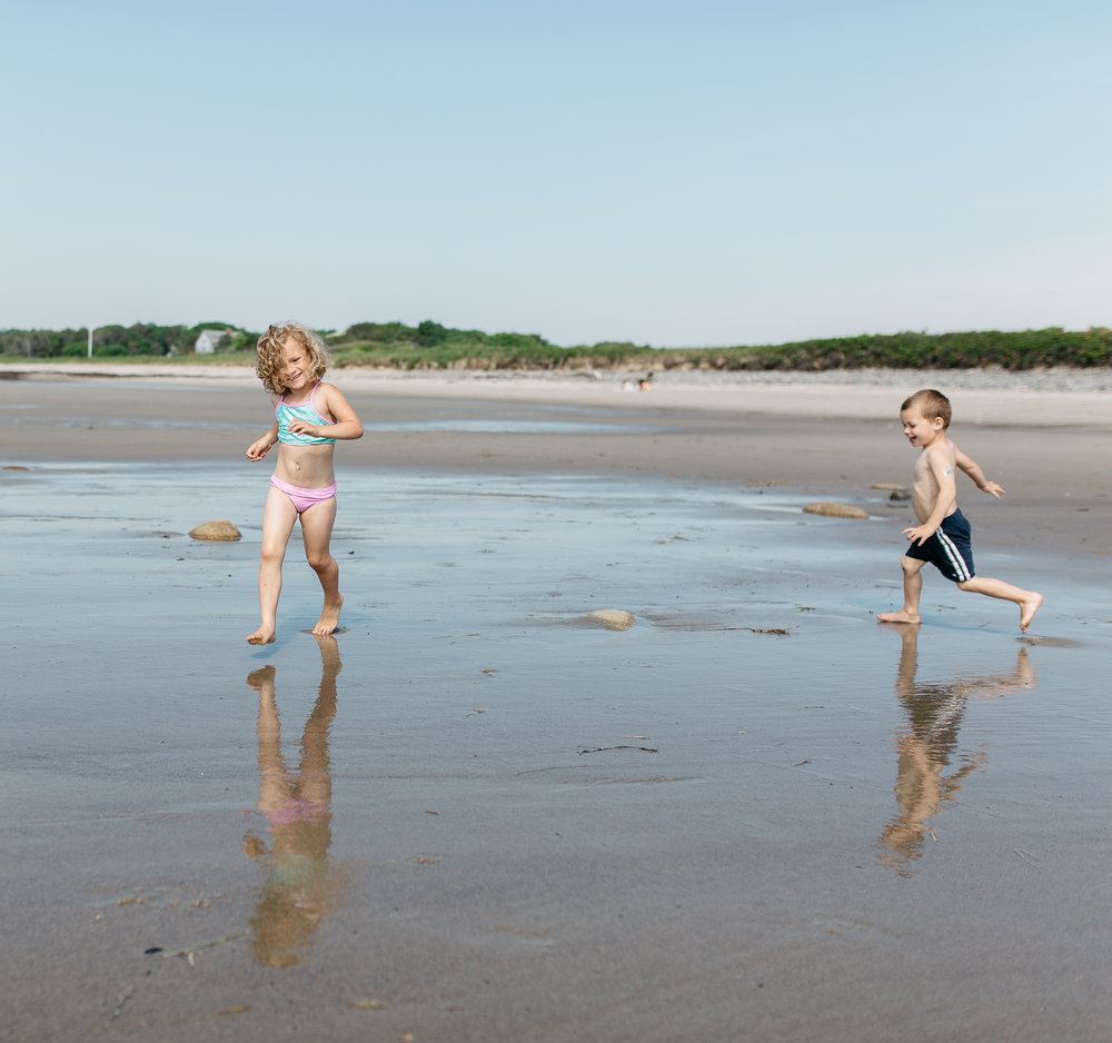 maine-photographer-family-children-lifestyle-documentary-beach-photography-1.jpg