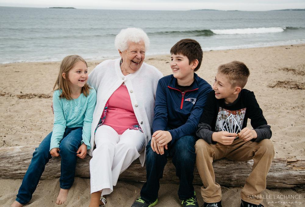 maine-family-lifestyle-photographer-southern-maine-biddeford-saco-beach-photography-1.jpg