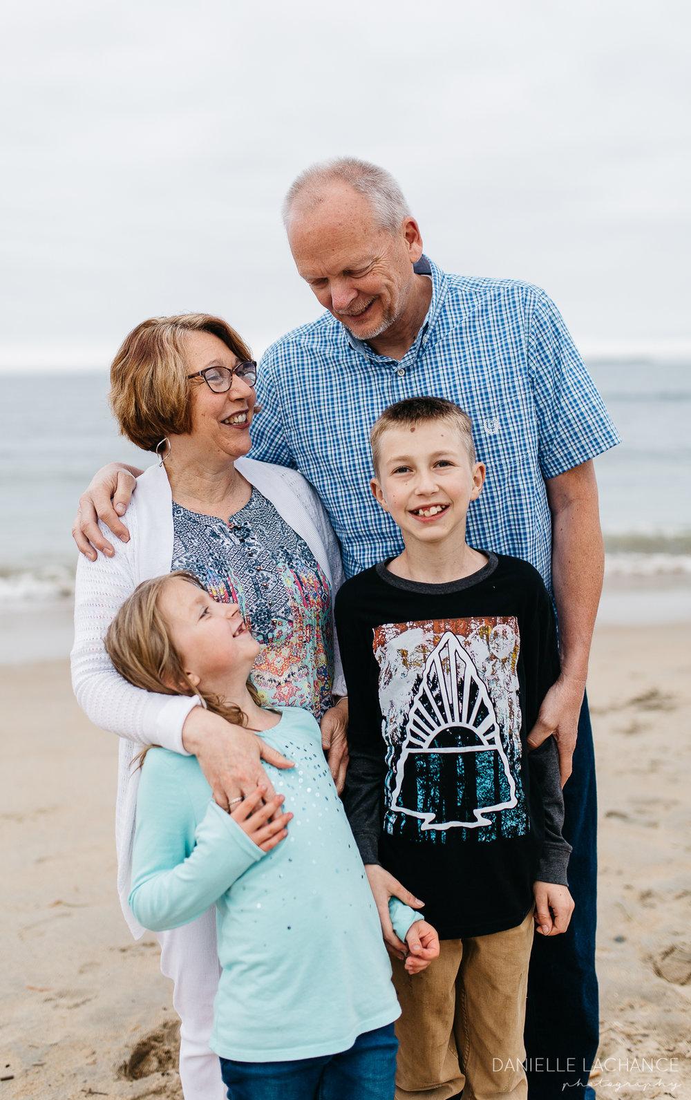 maine-family-lifestyle-photographer-southern-maine-biddeford-saco-beach-photography-9.jpg