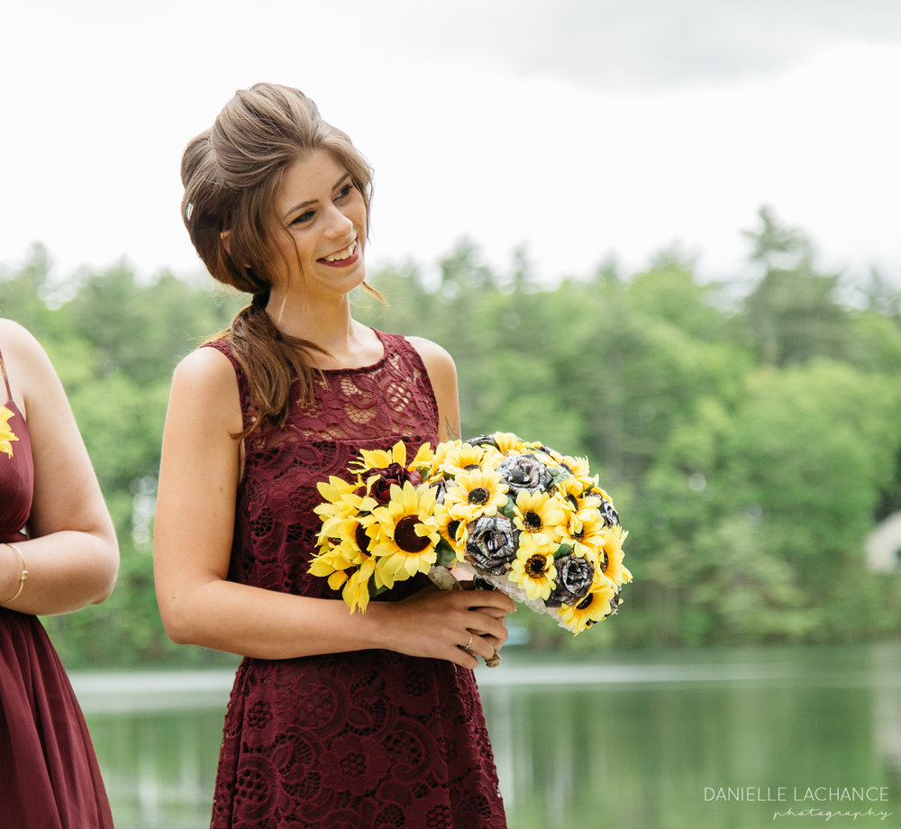 maine-bridesmaid-photographer-wedding-elopement-rustic-laid-back-evevnt.jpg