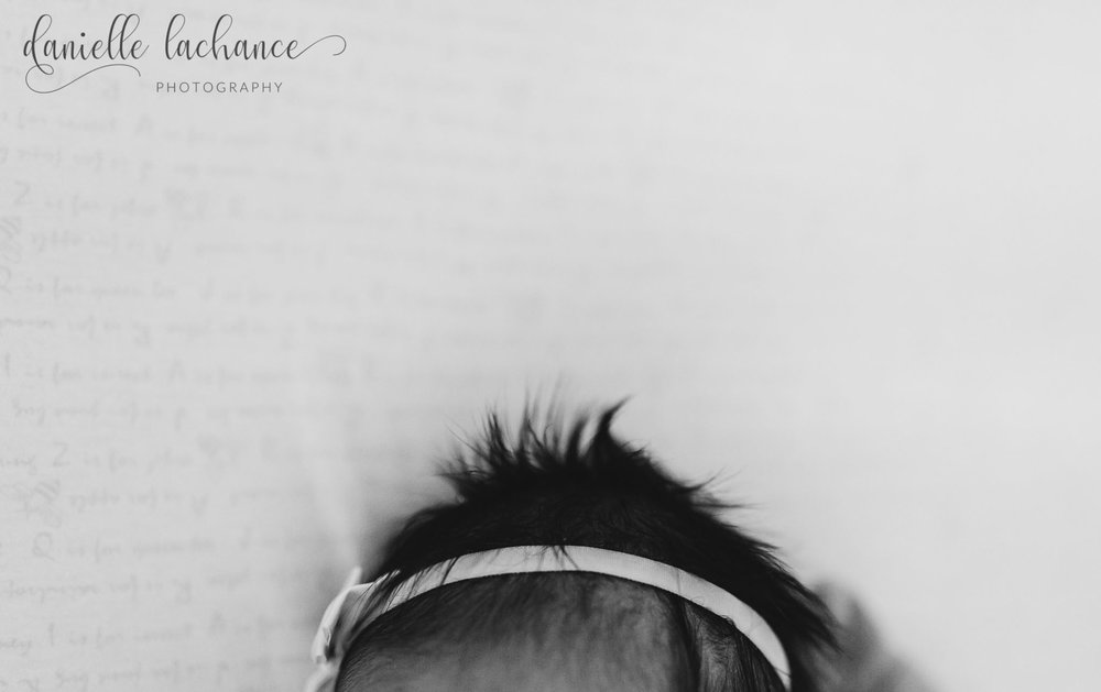 maine-newborn-details-hair-bow-photography.jpg