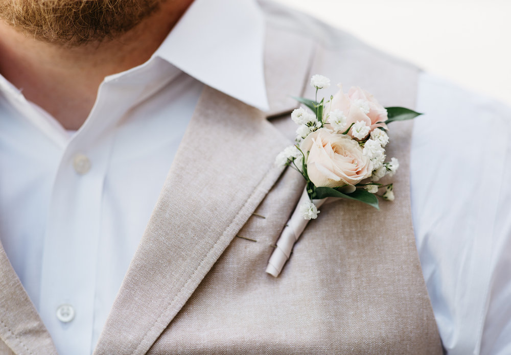 maine-groom-details-photographer.jpg