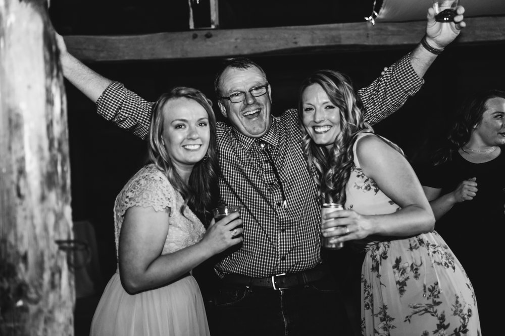 maine-wedding-guests-candids-party-photographer.jpg