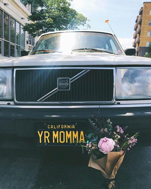 Yr momma so sweet, she deserves something special from #glasswingfloral this Mother's Day! Tons of pretty grab and go bouquets @blacktopcoffee this weekend, and I'll be slinging bouquets @shinola from 12-4 today and tomorrow. 🚘💗💐 #mothersday #weekend #bouquets #peonies #blacktopcoffee #shinola #artsdistrict #dtla