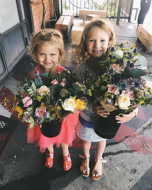 The cutest customers I ever did see! Happy Mother's Day!! 👯💐💐 😍@christinwilson @twilson2 @blacktopcoffee #happymothersday #bouquets #gardenroses #lavender #poppies #bluethistle #blacktopcoffee #glasswingfloral #artsdistrict #dtla