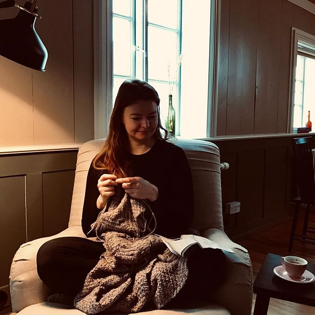 The rythm of knitting fills the house. Relaxing and productive at the same time, such a good combo. #knitting #iceland #placetoread #visitakureyri #bestplacetostay #north #akureyri #wool #knittingaddict #inspiredbyiceland