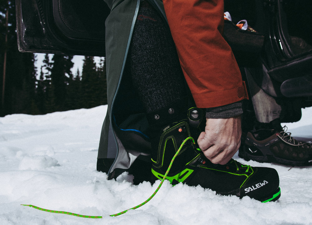 The  Salewa Vultur Vertical GTX  are the perfect mountaineering boot for technical alpine climbs and vertical ice thanks to their heel & toe welts, stiff soles, supportive upper, and flexible ankle. The footbed fits like a glove, they're warm, and a built-in gaiter keeps snow and ice out.