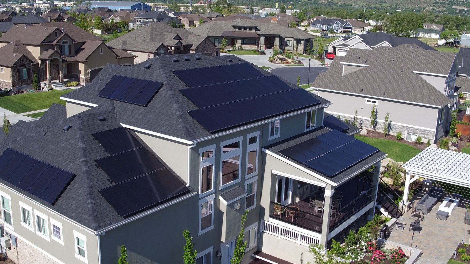 Auric Solar Power Provider How Does Work In A Residential Home Headerstill Image