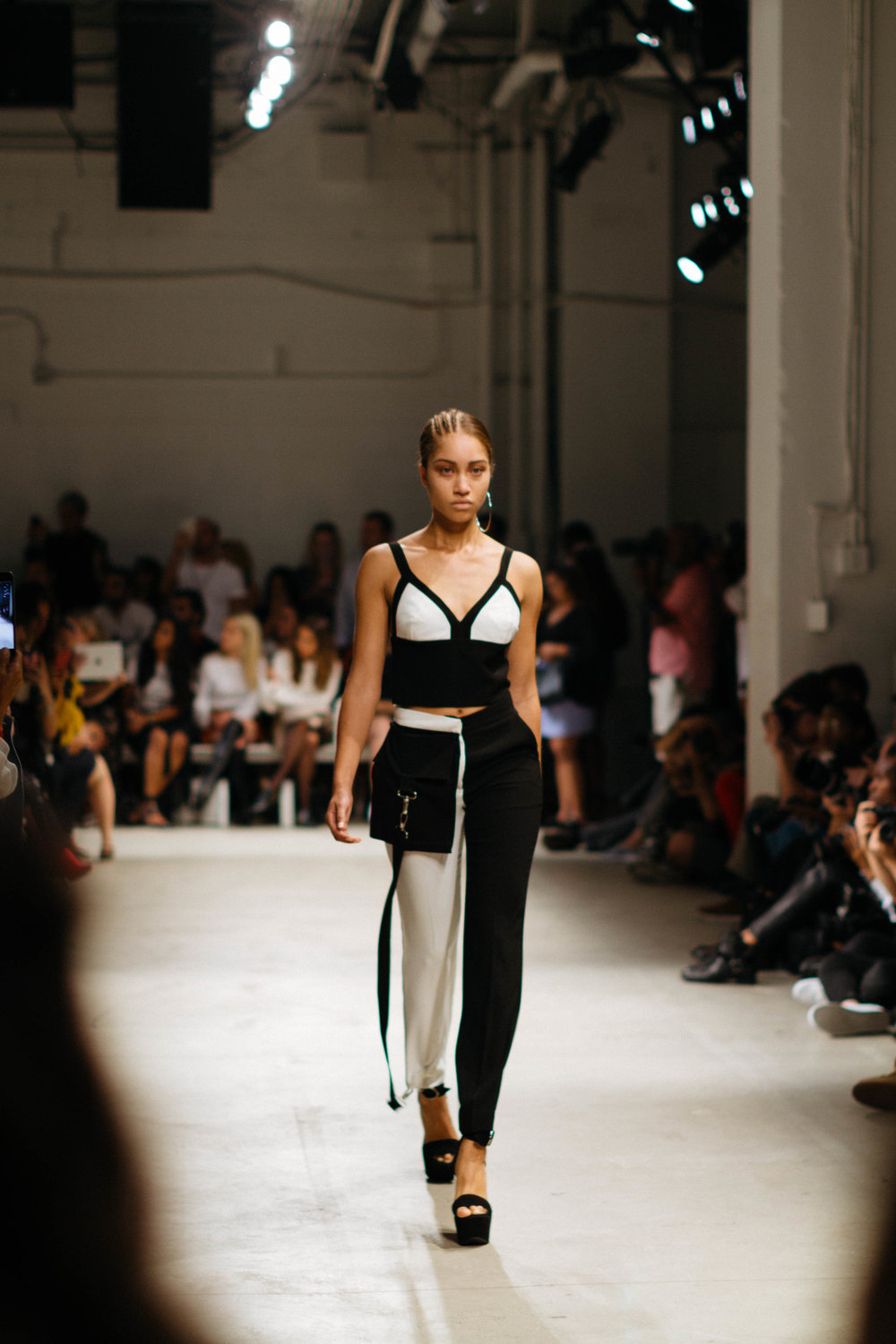 New York Fashion Week 2017 - @LorenzoMitil