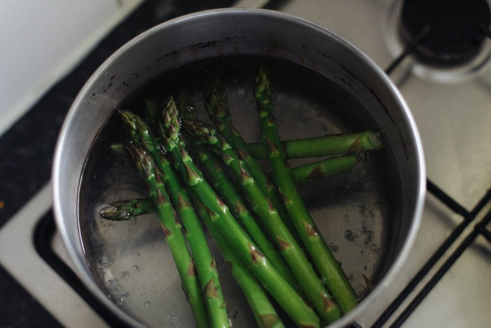 Place asparagus in boiling water for 45s - 1min 30s, depending on their size.