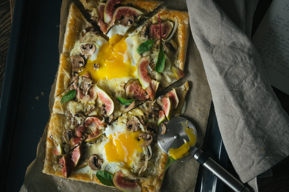 puff_pastry_eg_tart_with_gruyere_figs_and_mushrooms-3.jpg
