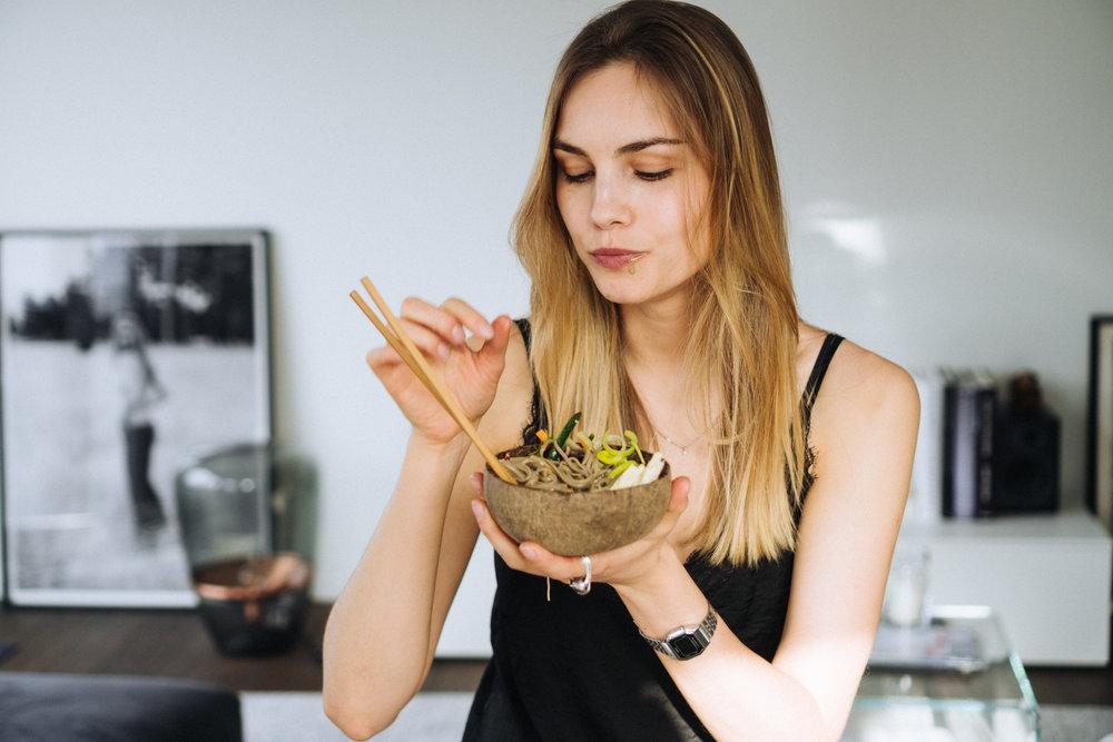 15_minute_buckwheat_noodle_veggie_bowls_with_tahini_soy_dressing-12.jpg