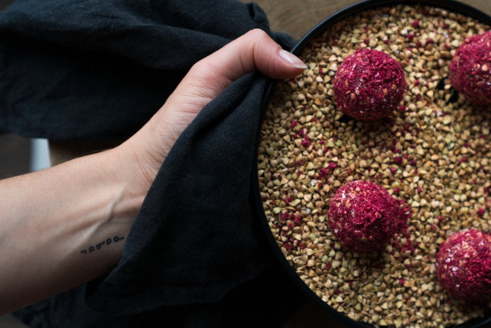 sprouted_buckwheat_and_raspberry_energy_balls-7.jpg