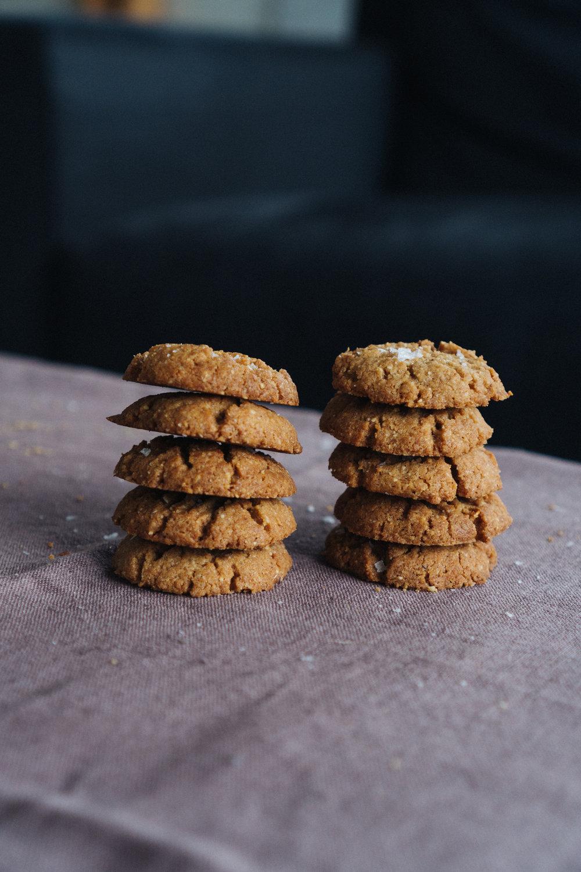 crunchy_almond_butter_cookies-8.jpg
