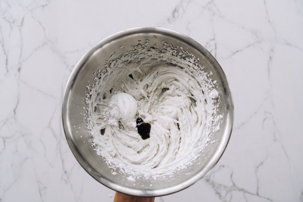vegan_citrus_pavlova_with_coconut_cream_and_thyme-37.jpg
