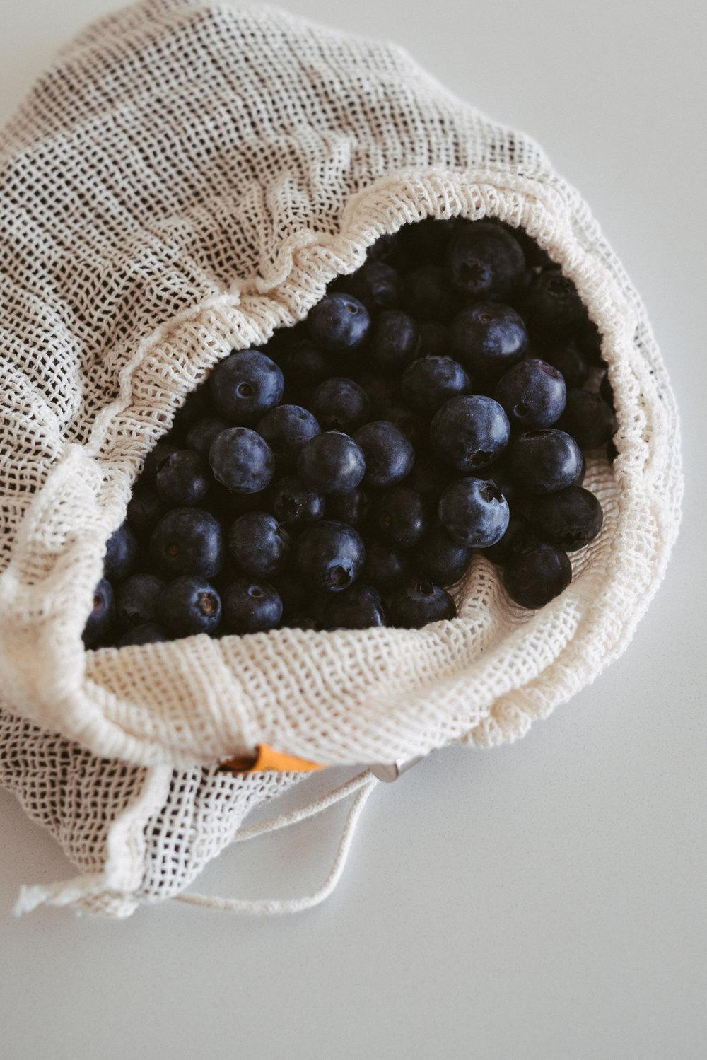 mango_passionfruit_chia_and_yoghurt_jars-2.jpg