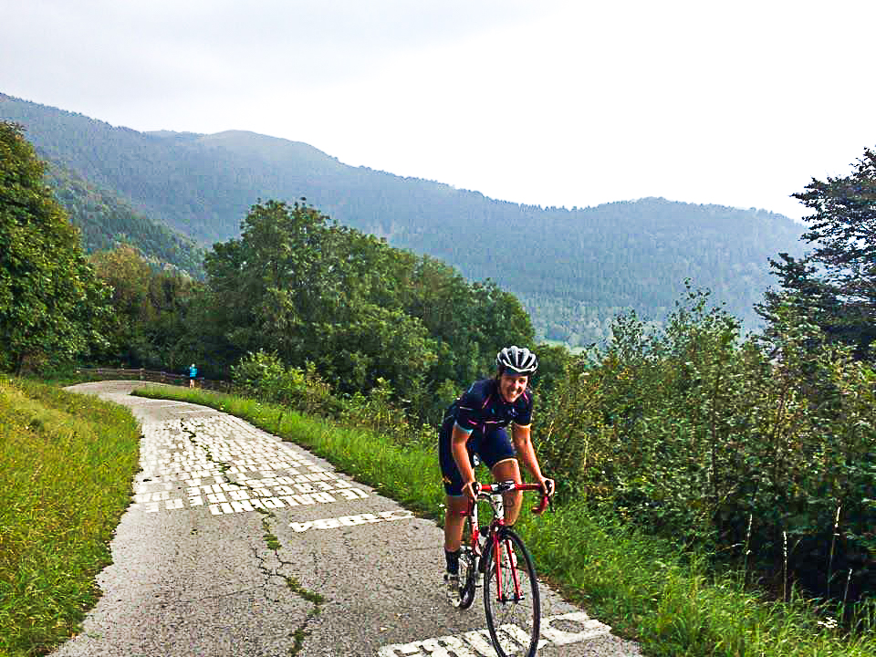 Who climbed the Muro di Sormano in one swoop? She did!! Photo @comolagobike