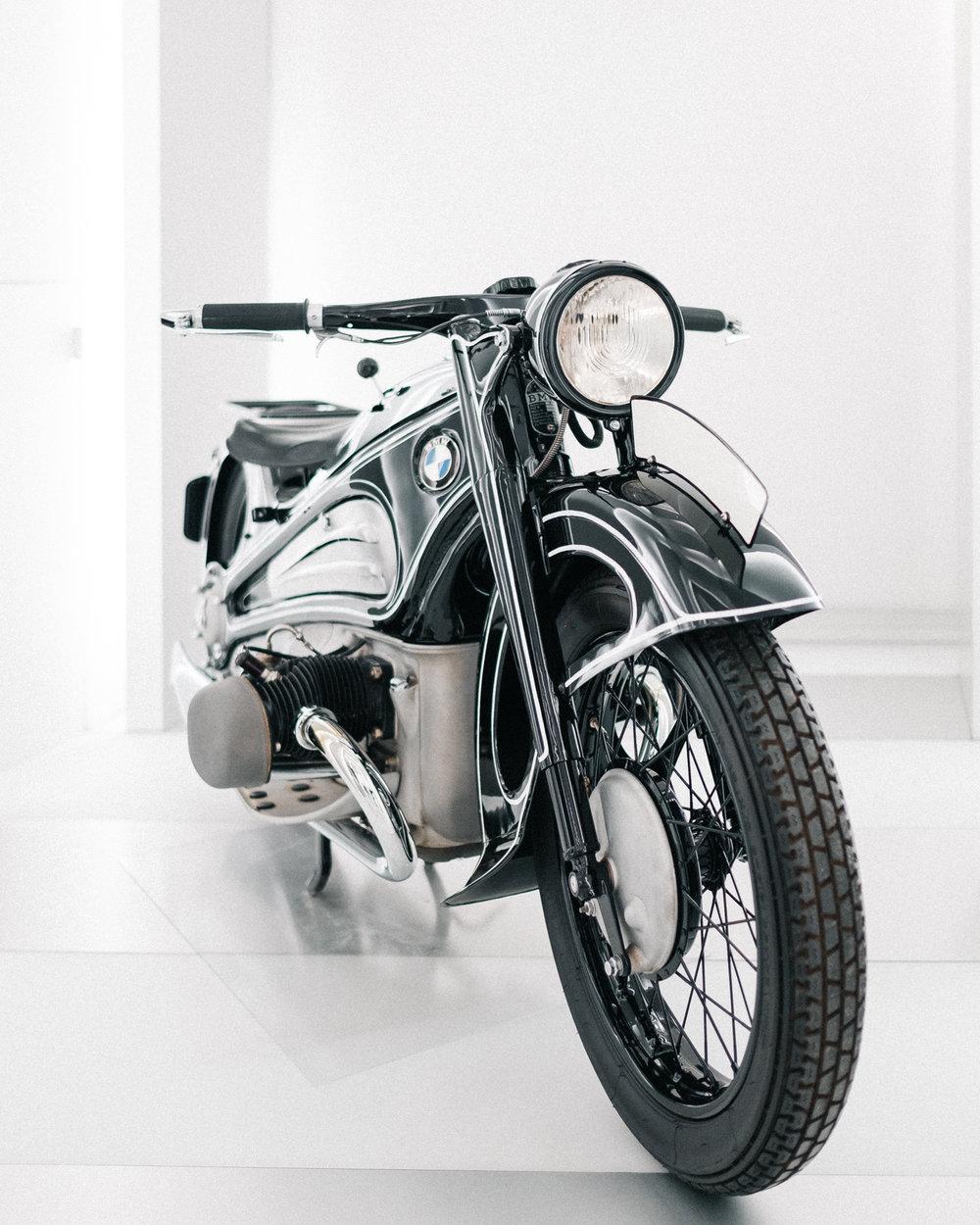 bmw r7 motorcycle.jpg