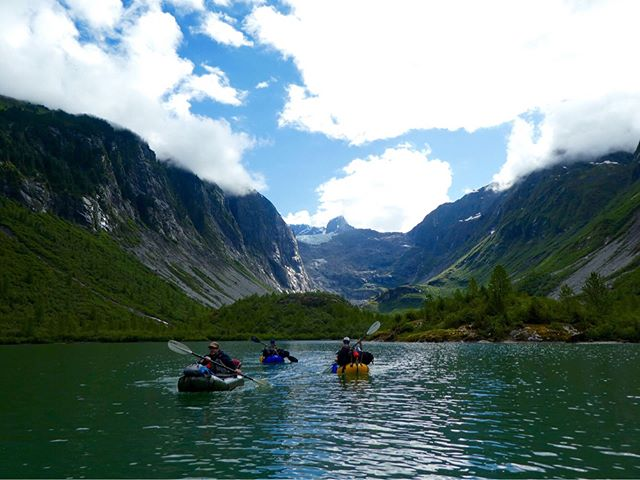 Great crew and some wild country. Lake, little river, big glacial river, waterfalls and wild creatures.