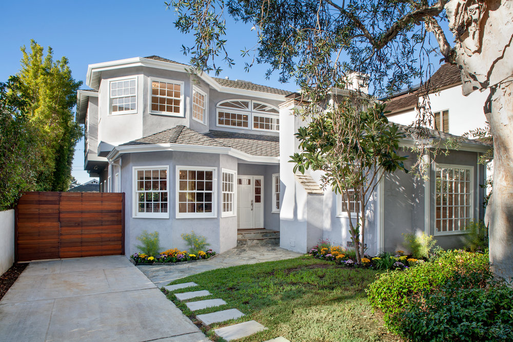 918 Yale St | Santa Monica | Offered at $3,495,000