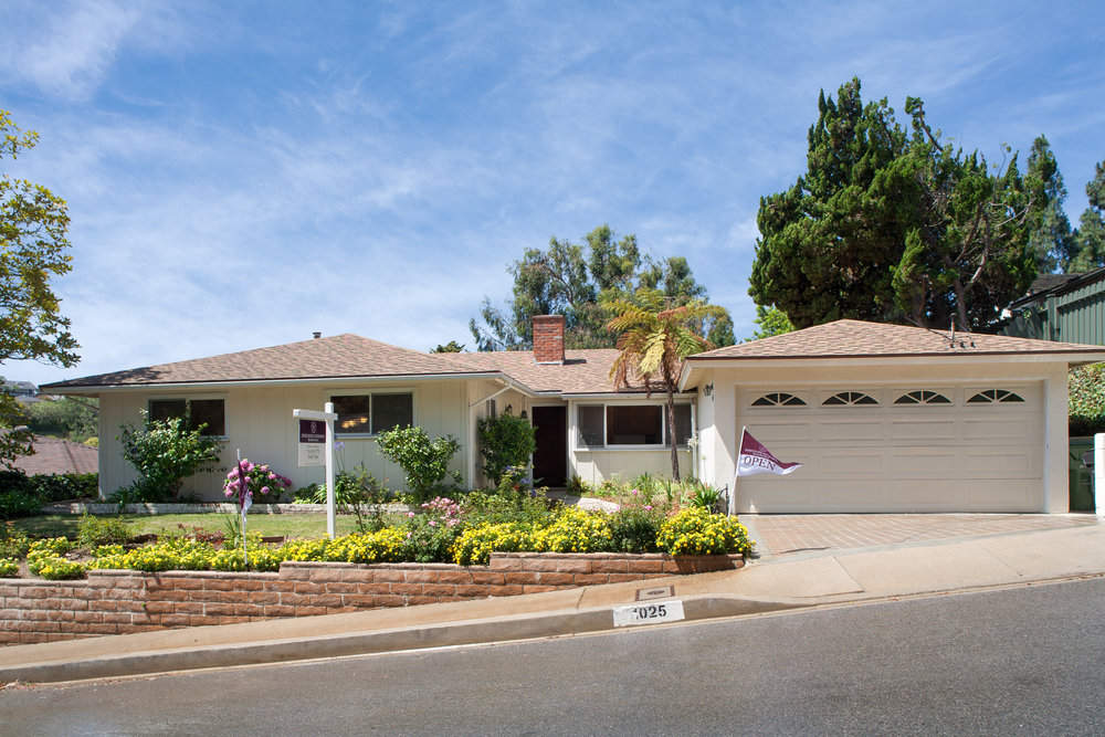 1025 Las Pulgas Rd | Pacific Palisades | Offered at $1,695,000