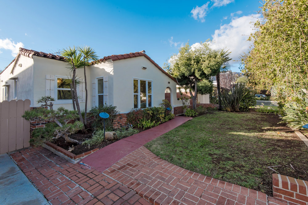 1117 Embury St | Pacific Palisades | Offered at $2,075,000