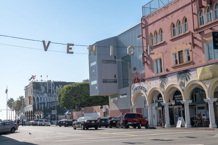"Venice residents who favor cityhood say the beach community has ""clearly been neglected"" by the city of Los Angeles.  melissamn / Shutterstock.com"