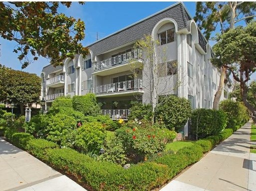 404 San Vicente Blvd #301 | Santa Monica | Offered at $6400 per month