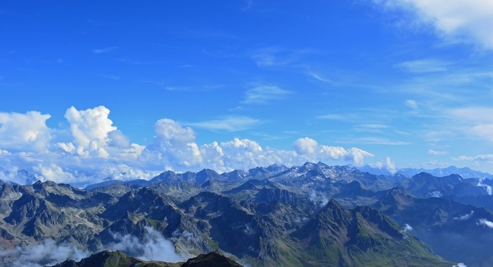 pyrenees-1723280.jpg