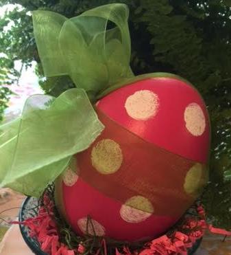 Polka Dot Egg Dark Pink.png