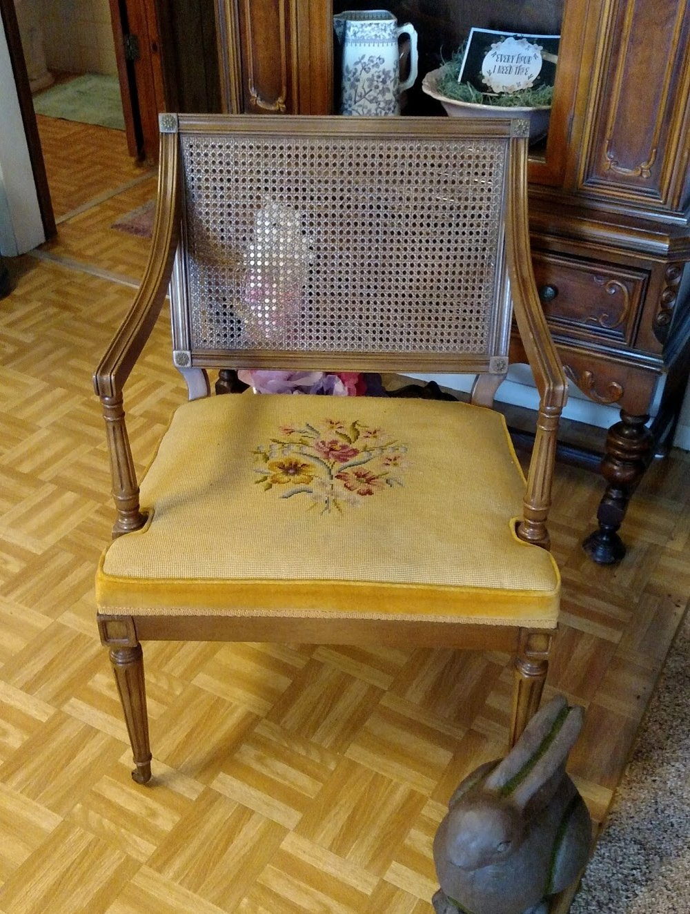 GOLD CHAIR #2.jpg