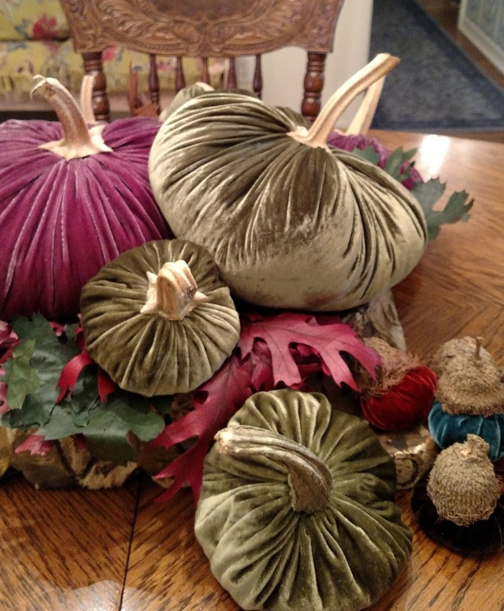 VELVET PUMPKINS DECOR #4.jpg