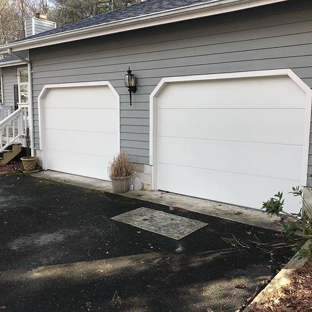 Pair of flush Hörmann garage doors