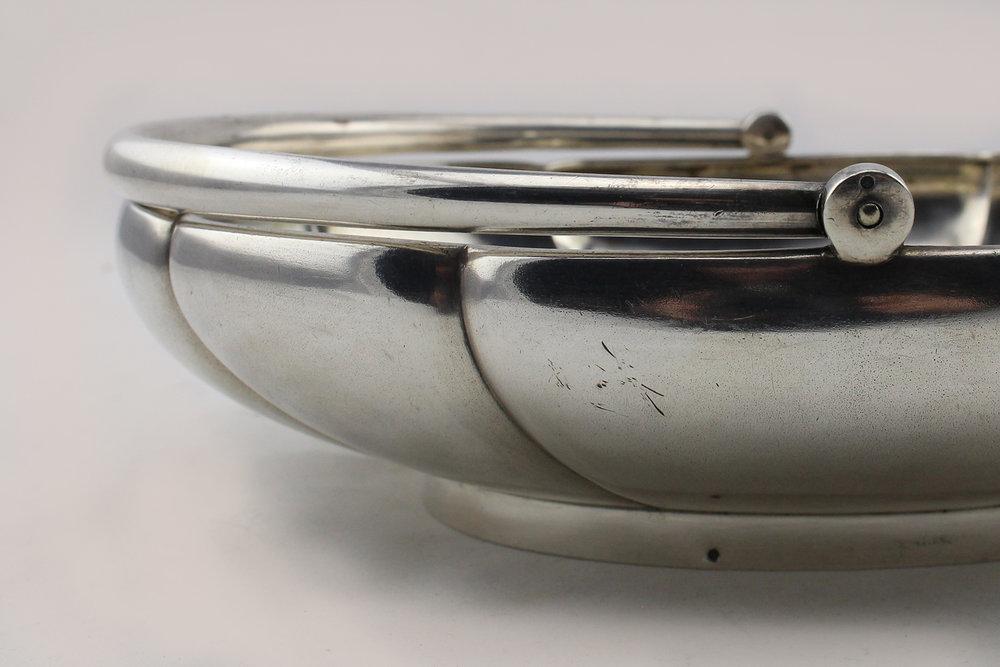 19352b.jpg