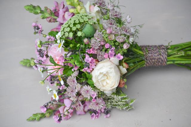Wedding portfolio september pink bouquet.jpg