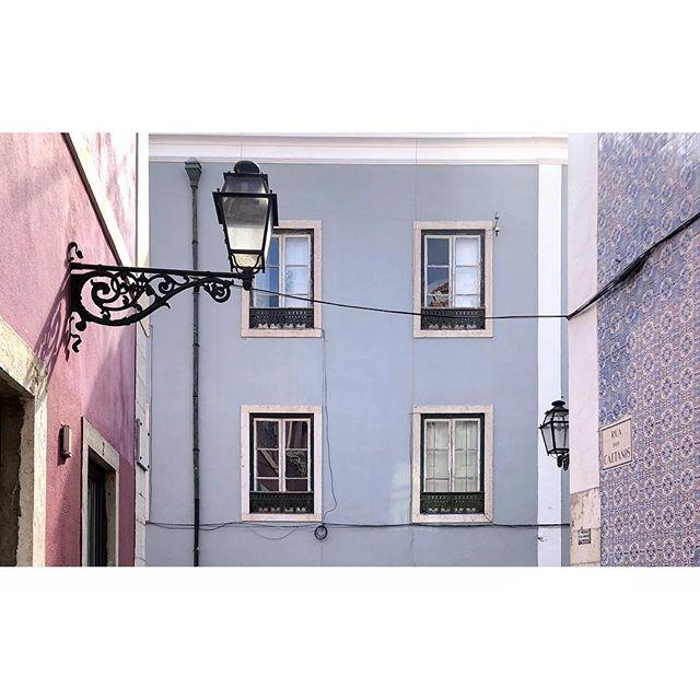 Everything in this frame is beautiful. Lisboa. I am in love. 💕  #lisboa #portugal #beautiful #streetstyle #wanderlust #travel #architecture #pastel #streetlamps #tiles #facade #citycrush #shadowlove #minimalist #minimalism #phornography #lekkerzine #minimalzine #