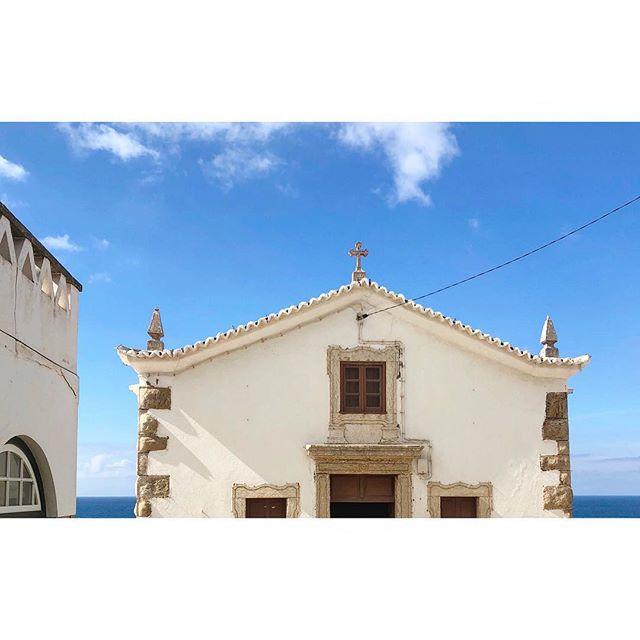 ~ titleless ~  #takemeback #sweetmemories #portugal #ericeira #beautiful #churchtop #blueskies #horizon #architecture #shadowlove #lovelylight #minimalism #minimalist #minimal