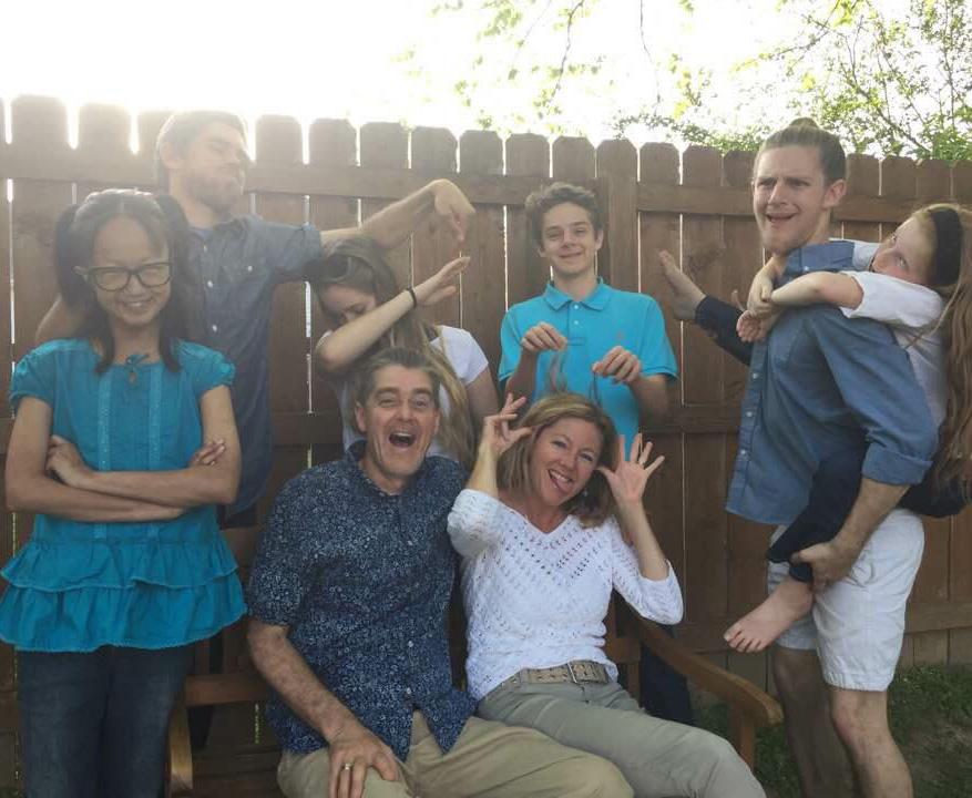 [click for full photo] Family fun!