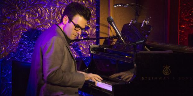 Joe Iconis takes the stage at Feinstein's/54 Below.   (© David Gordon)