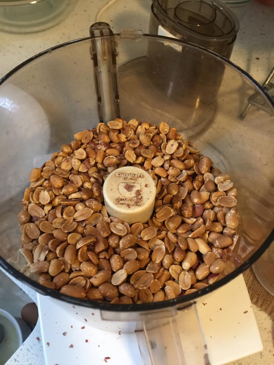Roasted and skinned peanuts