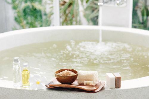 luxury-bath-oils-4.jpg
