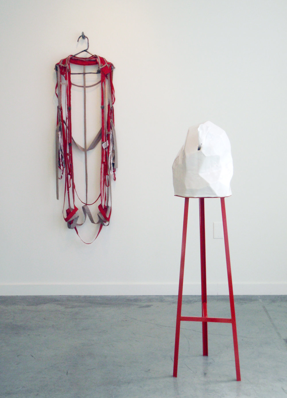 ANNA SEW HOY   rouge/tan & Tissue dispensing (single) , installation