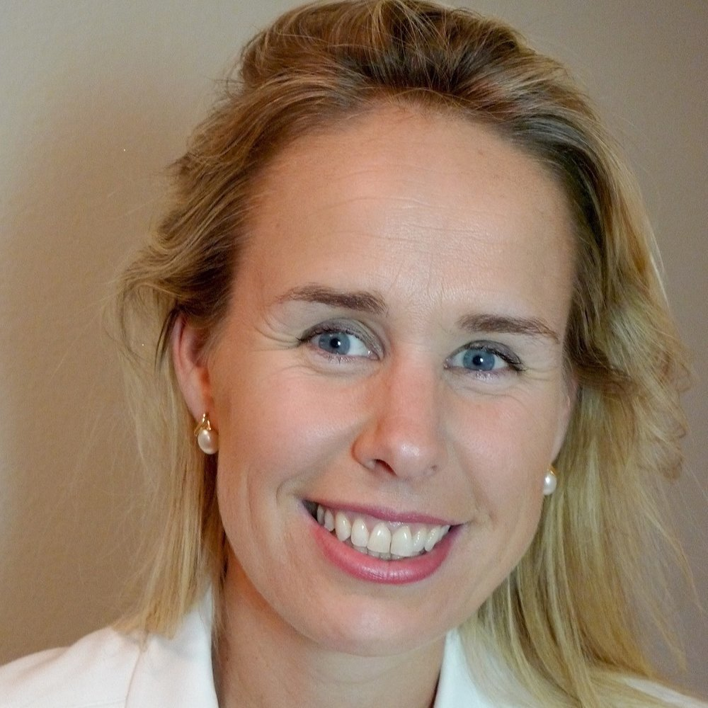 Alice McGrath    Alice is a lawyer and international adviser and is currently working with host governments in PNG and Solomon Islands across their justice and security reform programs