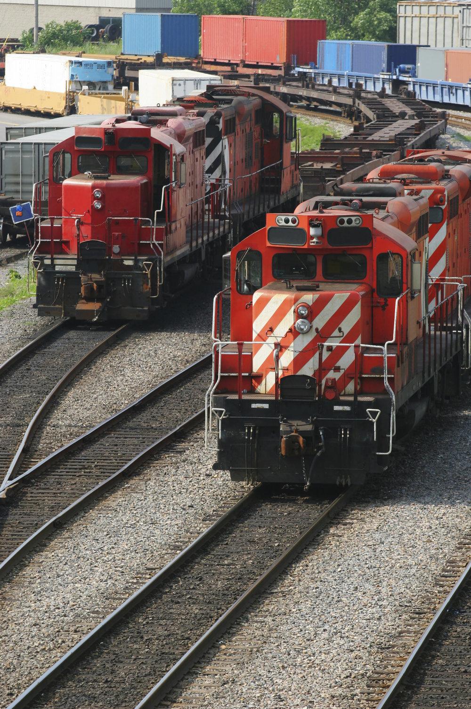 Railways-and-Locomotives-000001824117_Large.jpg